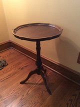 Small vintage tray table in Bartlett, Illinois