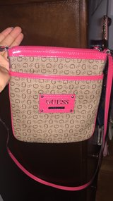 Guess cross body purse like NEW in Vacaville, California
