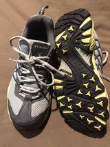 Columbia girls Shoes size 5 in Naperville, Illinois