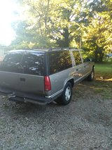 1999 4x4 Suburban 3rd row in Fort Campbell, Kentucky