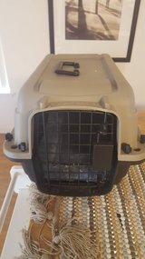 Small pet carrier/cage in Honolulu, Hawaii