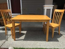 Kitchen Table & Chairs in Fort Lewis, Washington