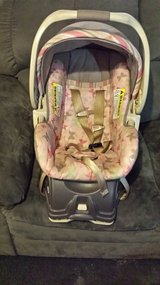 Baby Trend Victoria car seat with base in Hinesville, Georgia