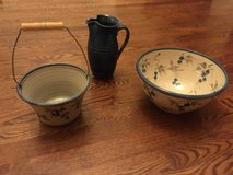 3 piece pottery set in Batavia, Illinois