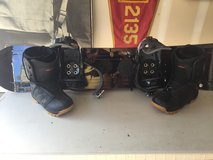 Lamar Snowboard with bindings and boots in Camp Pendleton, California