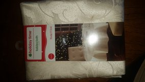 ivory tablecloth brand new in Oceanside, California