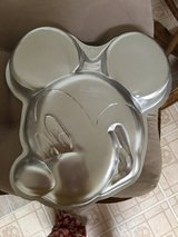 Mickey Mouse pan in Elizabethtown, Kentucky