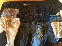 M/L jeans 12 pairs total in Ramstein, Germany