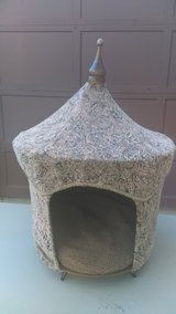 Pagoda Pet Bed in Bolingbrook, Illinois