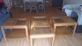 Coffee table and matching end tables in Cincinnati, Ohio