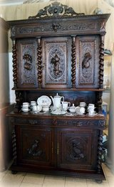 Beautiful hunter's hutch with nice carvings in Baumholder, GE