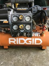 Ridgid 5 in 1 air compressor in Glendale Heights, Illinois