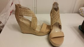 New Natural Wedges Sz 9 in Beaufort, South Carolina