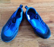 Toddlers black/blue pool/beach shoes size 10 in Macon, Georgia
