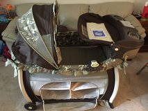 Graco Pack N Play w/ extras in Quantico, Virginia