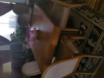 Solid oak 7pc table in 29 Palms, California