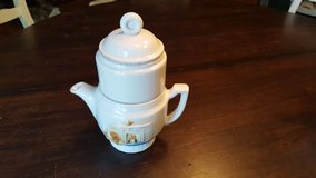 Porcelier teapot 1940s usa in Plainfield, Illinois