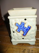 Candle Warmer/Scentsy Autism/with box in Schaumburg, Illinois