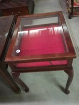 End Table/Display Table in Fort Polk, Louisiana