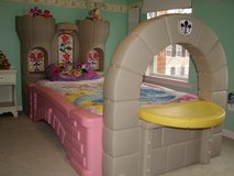 Dream castle convertible bed in Baumholder, GE