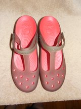 NEW CROCS MARY JANES LADIES SHOES Size 10 in DeKalb, Illinois