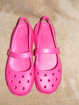 CROCS MARY JANES LADIES SHOES Size 10 LIKE NEW!! in DeKalb, Illinois
