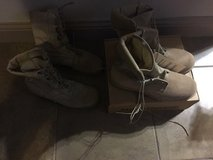 Military Vibram boots size 10 •NEW• in Lawton, Oklahoma