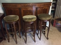 bar and 3 stools in Dover AFB, Delaware