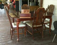 Dinning set with leaf in Baytown, Texas