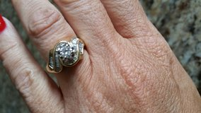 14k solid gold genuine diamond ring in Glendale Heights, Illinois