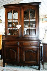 beautiful solid oak dining room hutch in great shape in Baumholder, GE