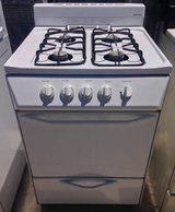 24 inch Gas Stove in Camp Pendleton, California
