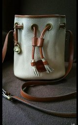 Dooney and bourke all weather cross body in Conroe, Texas