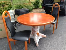 44' Round Table with hidden leaf in Fort Meade, Maryland