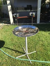 Stainless steal Bird stand in Fairfield, California