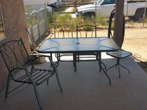 Out door garden table and chairs in 29 Palms, California