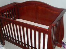 Jardine Bergamo Madison Lifetime Convertible Crib in Fort Belvoir, Virginia
