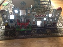 Wooden castle in Glendale Heights, Illinois
