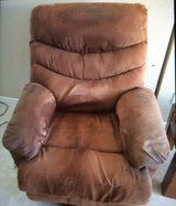 Recliner, Electric in Fort Bliss, Texas