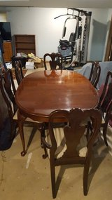 Vintage American Drew Dining Room Set Table and 6 Chairs in Naperville, Illinois