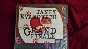 The Grand Finale by Janet Evanovich 5Discs Audiobook in Macon, Georgia