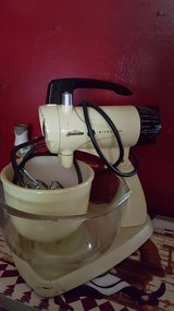 Sunbeam Stand mixer beaters & 2 bowls in Fort Riley, Kansas