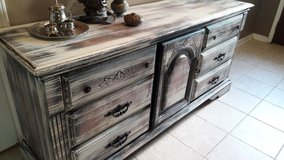 Rustic Dresser Set in Baytown, Texas