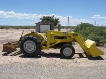 ford 340 A tractor loader with rebuilt motor in Alamogordo, New Mexico