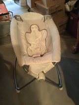 Baby snuggle sleeper,,almost new in Yorkville, Illinois