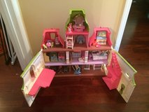 Fisher Price loving doll house w/ accessories in Moody AFB, Georgia