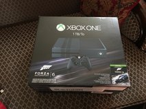 Forza 6 Xbox one 1Tb and 3 games in Fort Lewis, Washington
