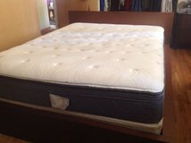 Queen Mattress in Fort Lewis, Washington