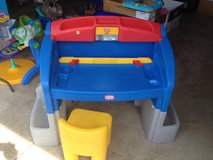 Little tikes Art table work bench in St. Charles, Illinois