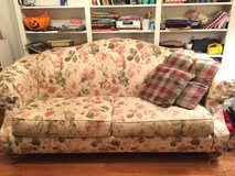 Sculpted Back Floral Couch in Springfield, Missouri